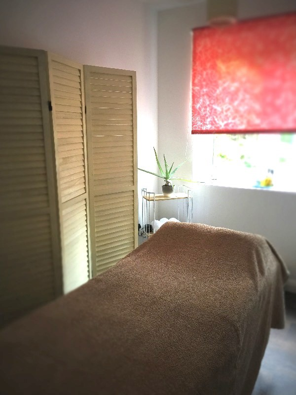 Reigate Massage and Yoga pic 1