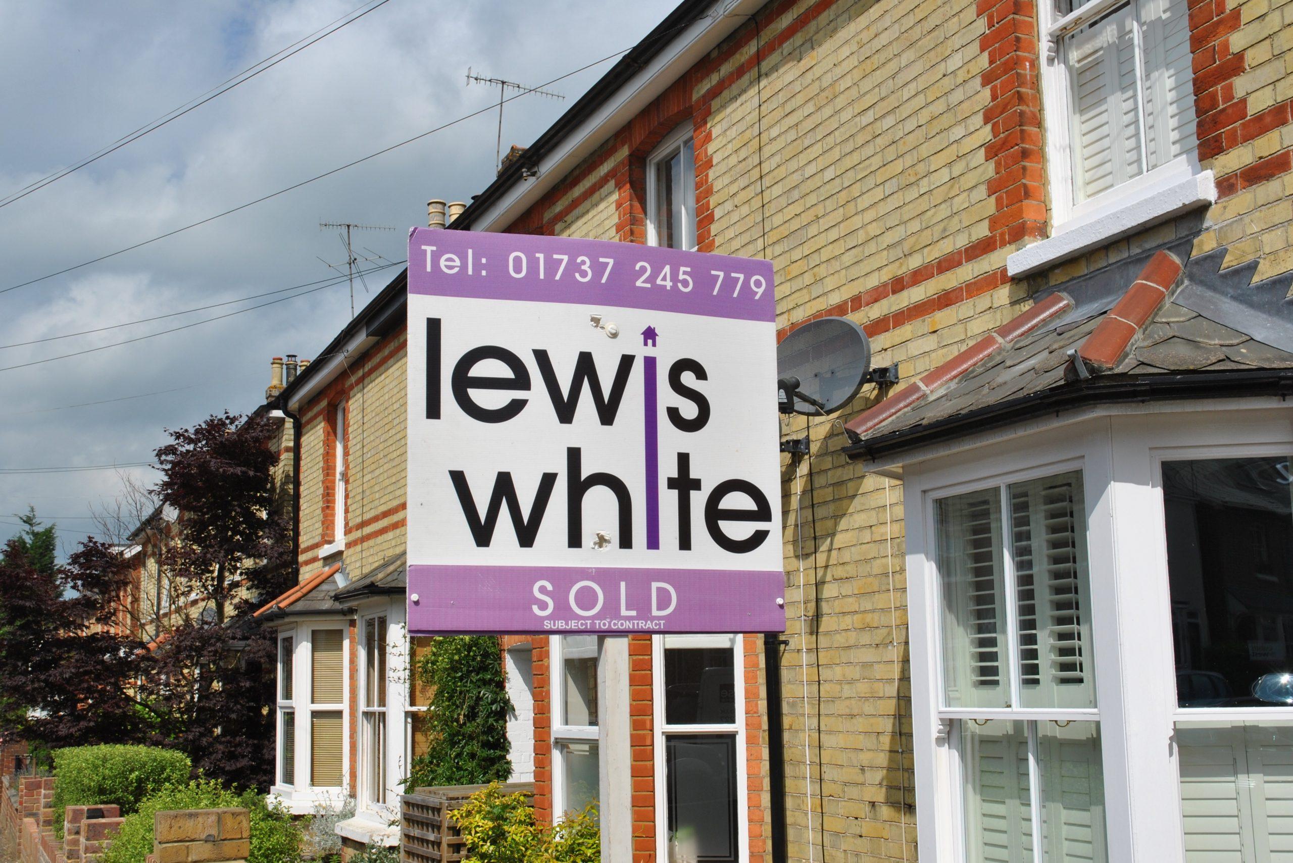 Lewis White pic 1